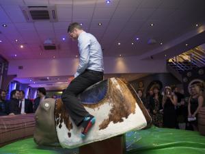 Location de taureau mécanique, jeux et structures gonflables et non-gonflables Proludik pour votre party