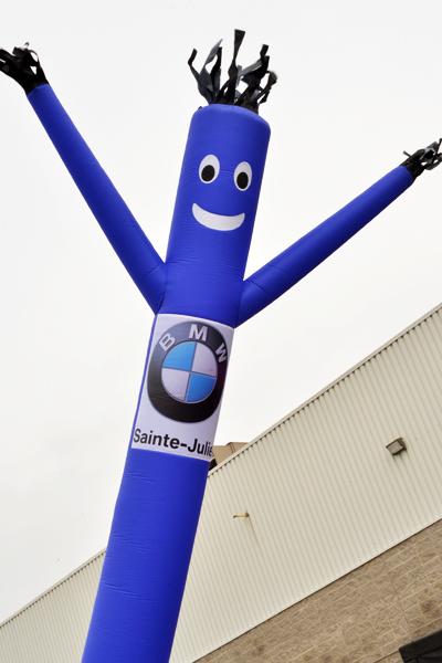Faites comme BMW, faites votre Airman et Skydancer bleu personnalisable
